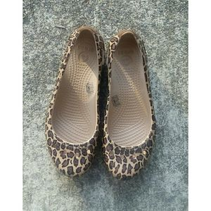 Crocs Flat Slip On Shoes Leopard Print Sz 5W